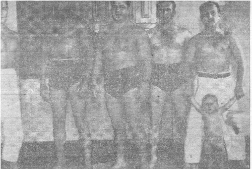 In the picture at the center is Euclydes Hatem, also known as Tatu, considered the founder of Brazilian Luta Livre, and one of its main representatives. At the right, Oswaldo Gracie.